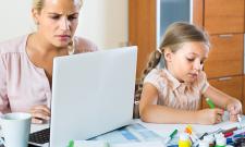 Graphiste freelance à la maison et parent, comment concilier sa vie professionnelle et personnelle ?
