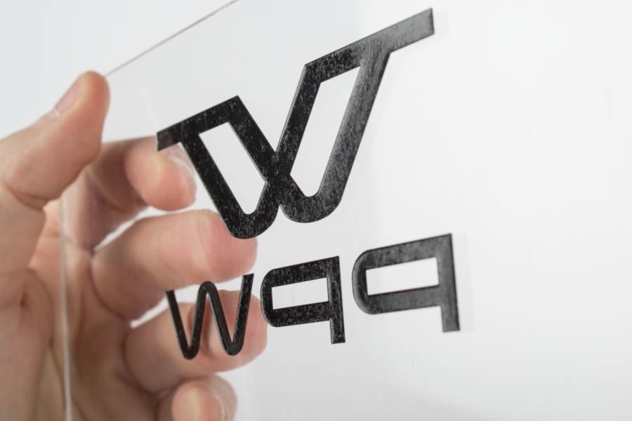 Plaque gravée plexiglas