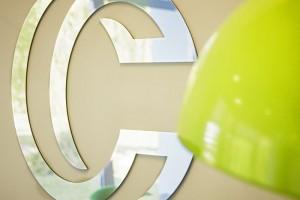 lettre et logo miroir