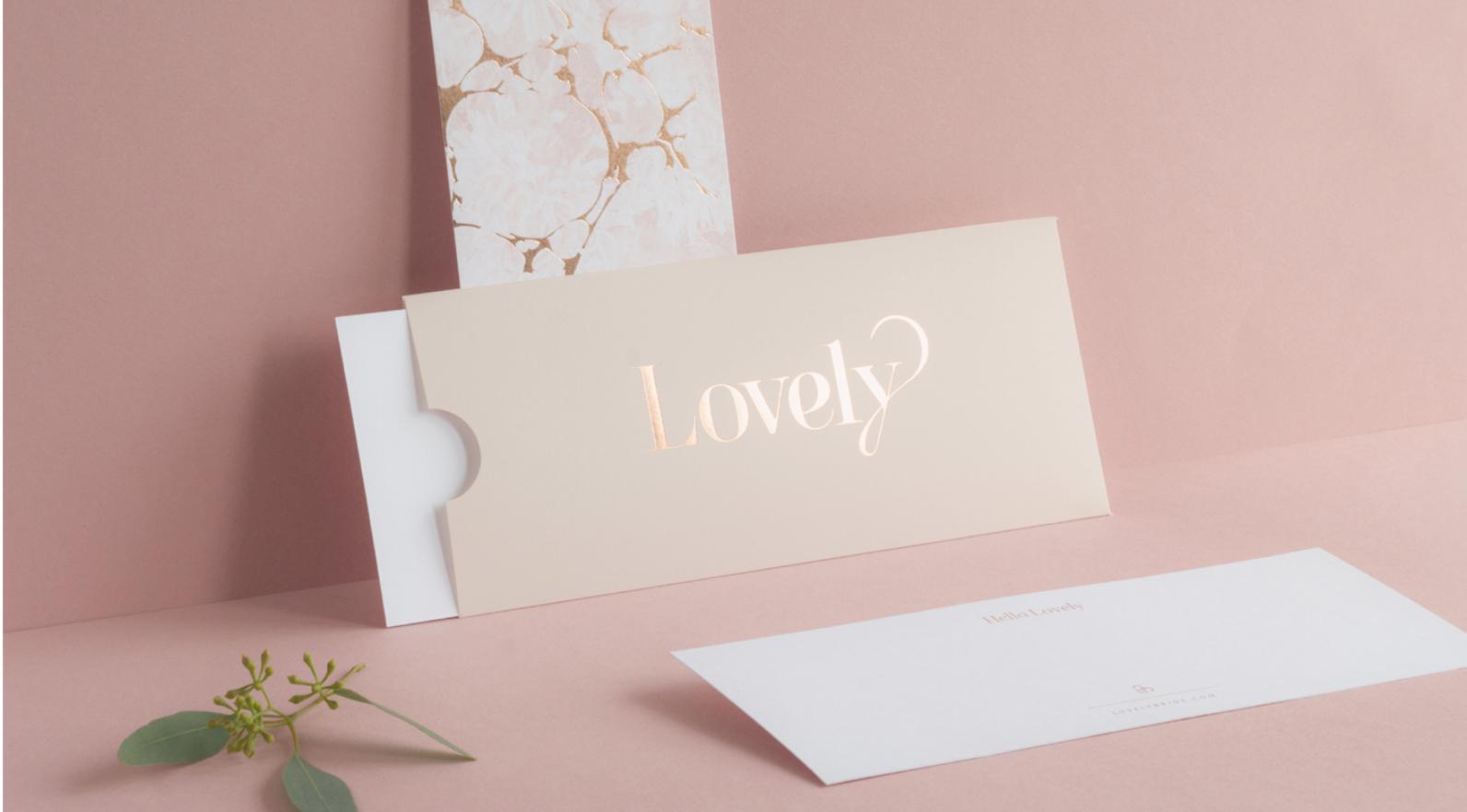 Enveloppe couleur rose gold métallique