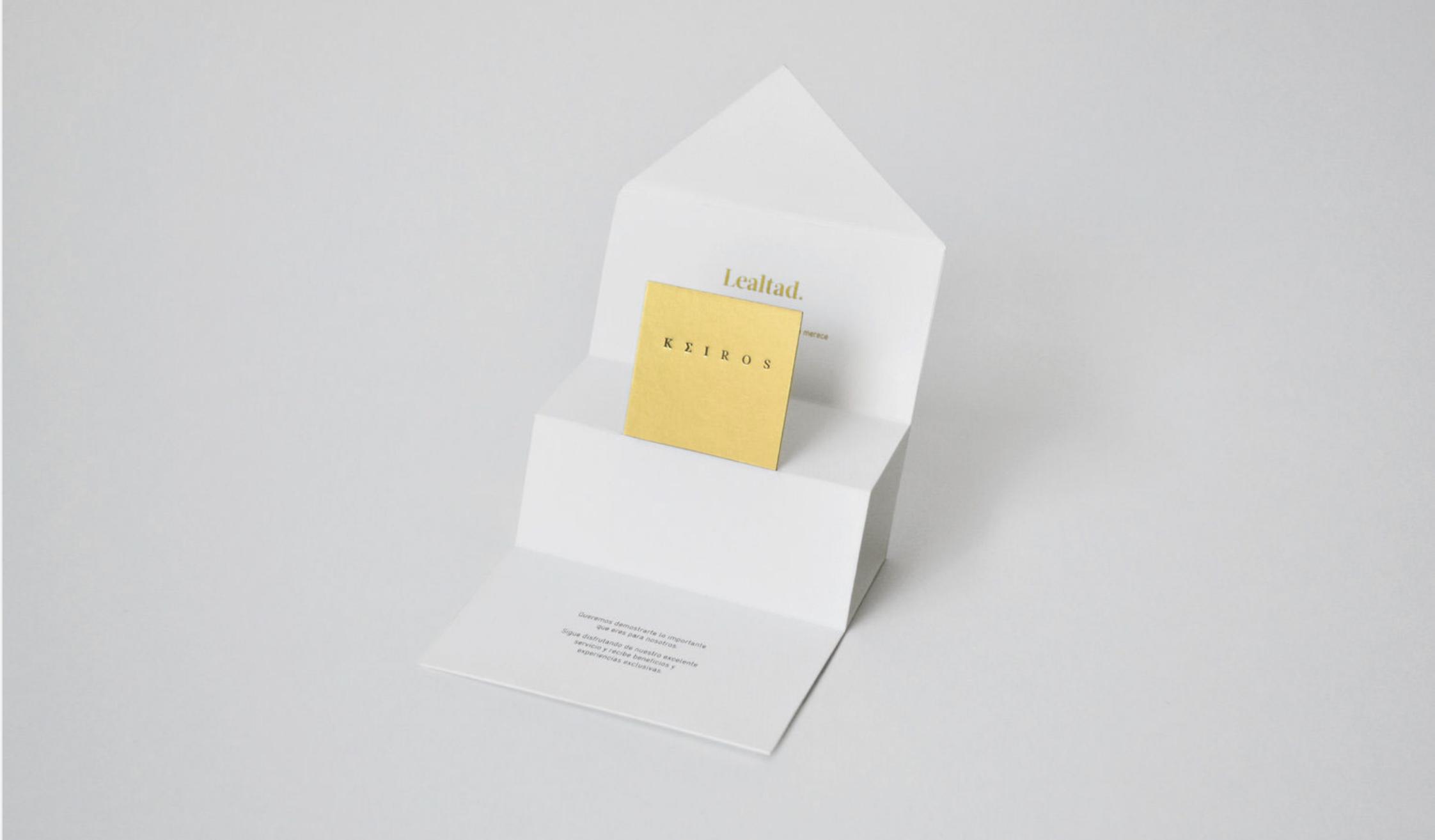 Carte couleur doré